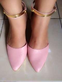 Hils soft pink