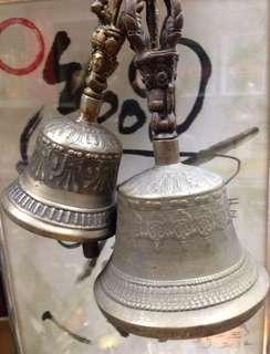 舊大小銅鈴二個