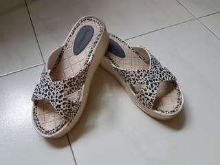 😊 Leopard Prints Platform Sandals