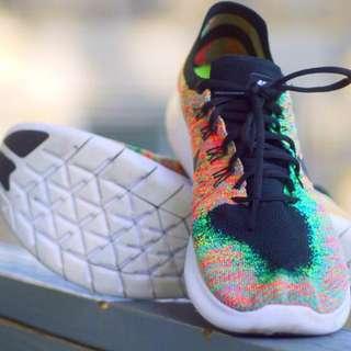 Nike Flyknit Rainbow Free RN