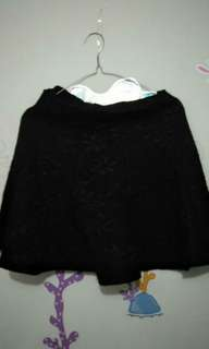 Rok hitam elegan
