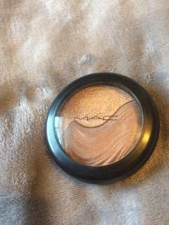 Bronzer- swatchedonly