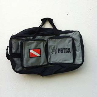 Netex travel bag. Dimension is 70 x 45 x 21cm. In good condition.