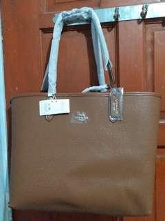 Reversible coach neverful bag