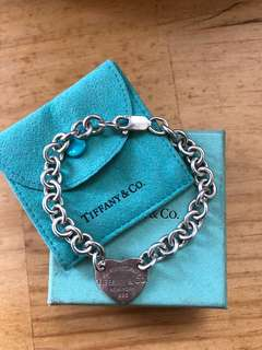 Return to Tiffany Set - necklace and bracelet