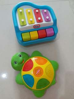 Toy piano and tortoise