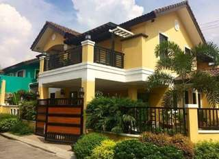 Pre-owned House and Lot FOR SALE (Crown Asia Regalado, West Fairview)
