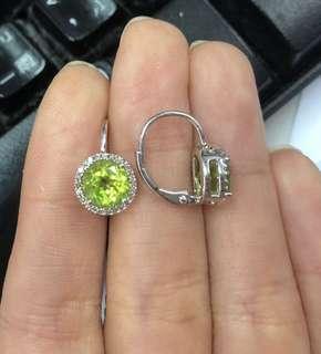 Diamond earring with peridot 925