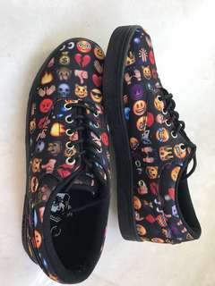 Vlado emojicon shoes