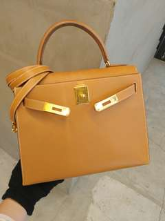 Hermes kelly 28 gold