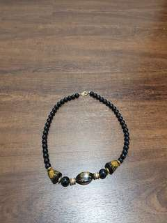 Black pearls flower pattern bracelet