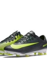 Nike Mercurial Vapor XI boots
