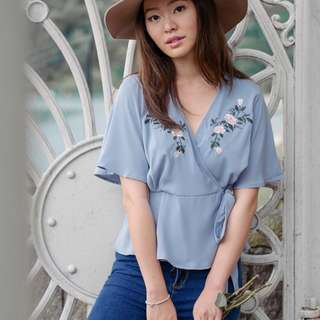 POPULAR 💫 Bohemian Embroidered Petals Sonnet Top
