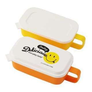 全新*日本代購*5月21到港*笑哈哈SMILEY廚房家品食物盒LUNCH BOX 3色入(黃 / 紅 / 藍)一套2件