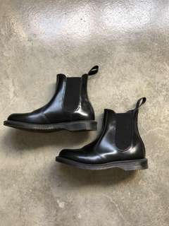 Doc Martens Chelsea boots