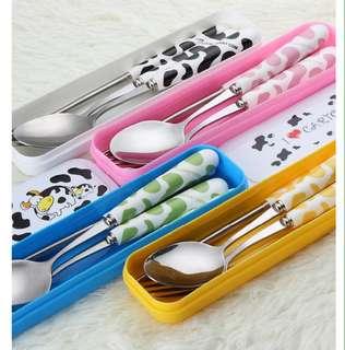 Set sendok garpu sumpit