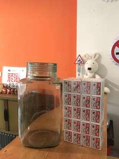 🚚 「早期湖水綠罐+100盒火柴盒 PS:大同寶寶比例」 早期 古董 復古 懷舊 稀少 有緣 大同寶寶 黑松 沙士 鐵件 40年