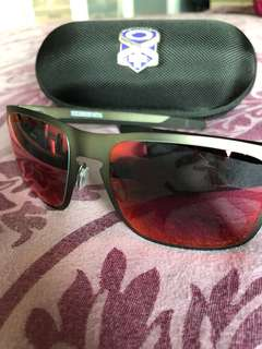 Oakley Holbrook Metal (metallic grey and red)