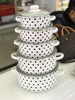 ENAMEL POLKADOT 5IN1 HARGA : RM145.00 SAIZ: 16/18/20/22/24CM COLOUR: BLACK AND RED