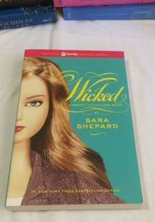 Wicked: A Pretty Little Liars Novel