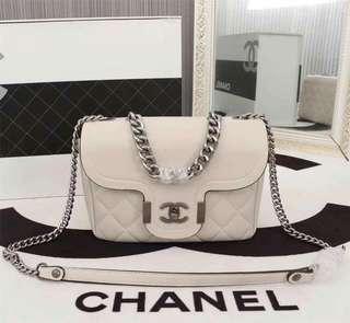 Chanel 18 latest model