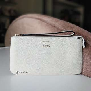 Authentic Gucci White Leather Soho Wristlet