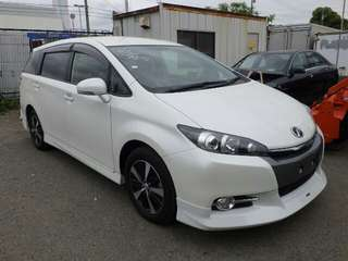 Toyota wish S with modelista bodykits