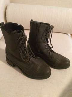 Women's Brown Boots size 6