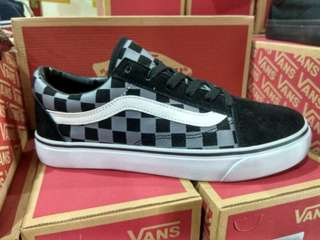 Vans off the wall old school catur n polos