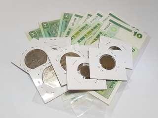 8張10元和伊利沙伯二世硬幣10個