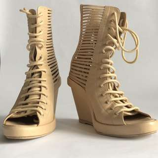 Gladiator Wedge
