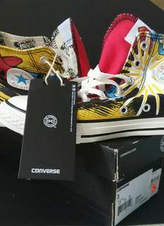 *BRAND NEW* DC universe Converse High-Tops for kids