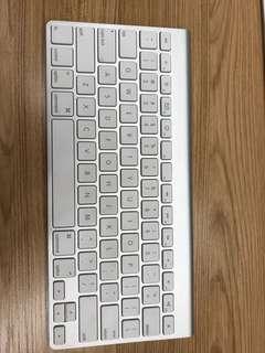 Apple Magic Keyboard 1 and Magic Mouse 2