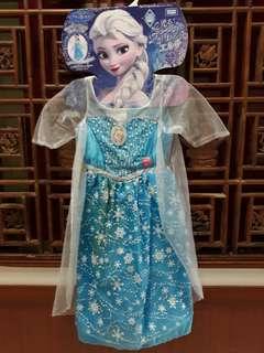 🚚 冰雪奇緣~艾莎公主衣服