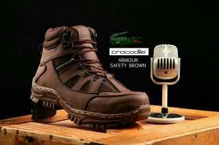 Sepatu Tracker Pria