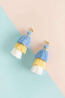 FREE NM // pompom earrings