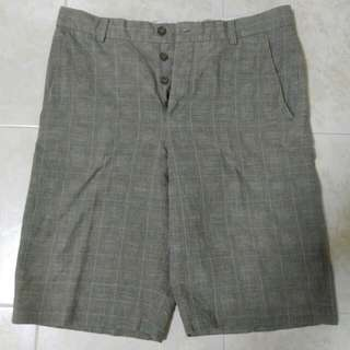 French Connection Classic Bermuda (Size 32)