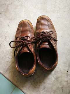 Used Rock port Shoes