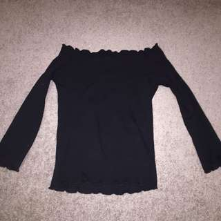 Off the shoulder glassons top