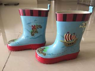 Preloved rain boots for sale