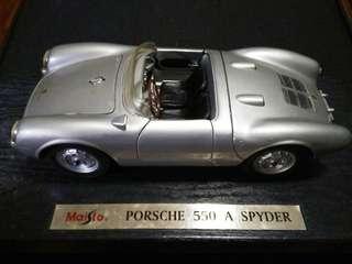 Porsche 550 A Spyder 1:18 Maisto Diecast