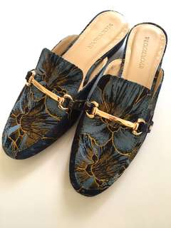 Flower mules shoes