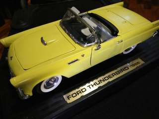 Ford Thunderbird 1955 Convertible 1/18 Road Legends Diecast