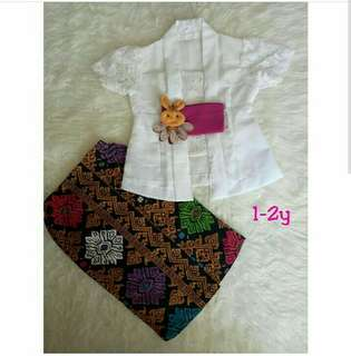 Kid kebaya (traditional custome)