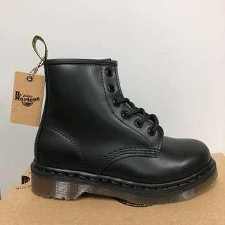 🚚 黑色馬丁鞋 6孔