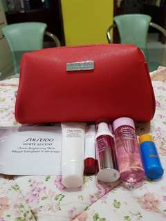 Shiseido white lucent gift set with cosmetic pouch