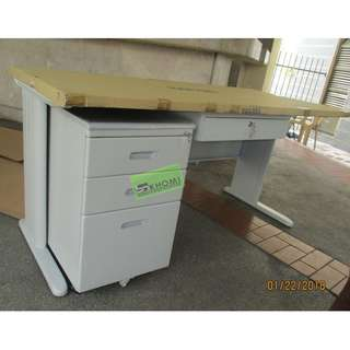OFFICE TABLE-33 150X70 WITH MOBILE PEDESTAL--KHOMI