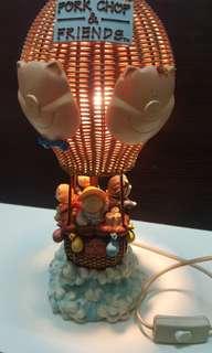 Pork Chop & Friends 復古座枱燈