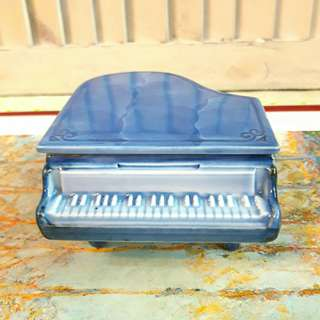 瓷器鋼琴造型收納、擺飾小品
