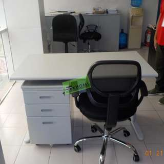 TABLE SET OFFICE TABLE WITH MOBILE PEDESTAL CABINET--KHOMI